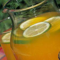 Что полезнее: фрукты или сок из них